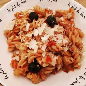 Chicken with Tomato Pasta